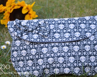 Skulls Clutch, Make-Up Pouch & Bow Set