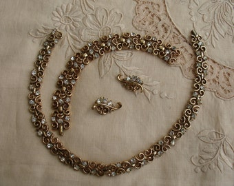 Early TRIFARI Alfred Philippe 1950 PAT PEND (158,005) Gold Plated Clear Rhinestone Set, Necklace Bracelet Earrings
