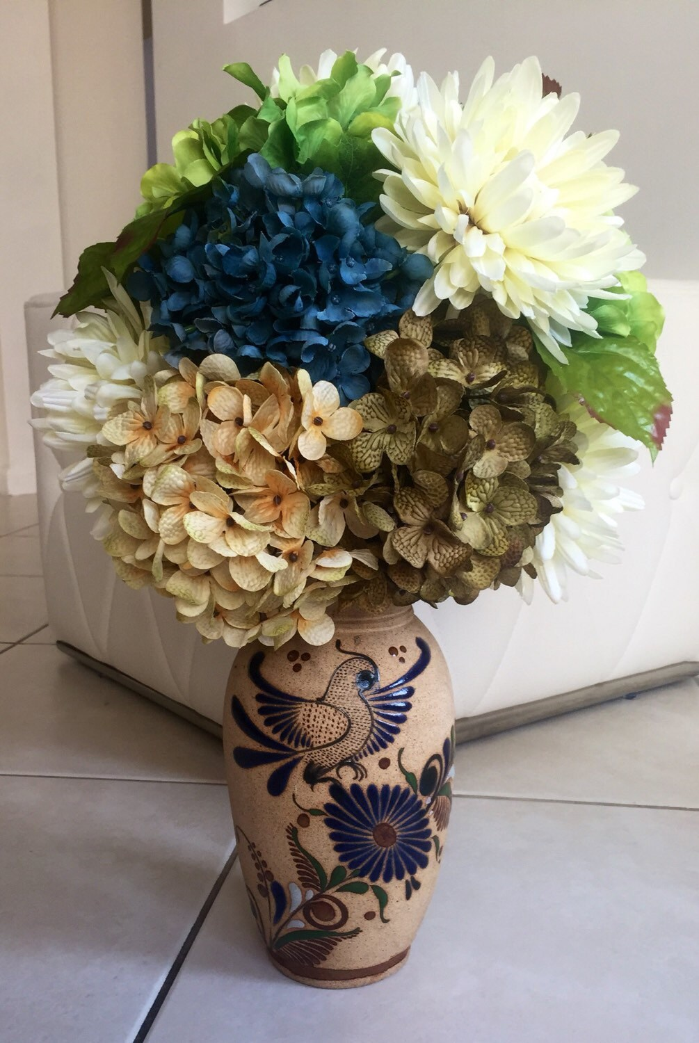 Hydrangea centerpiece beautiful blue mexican bird pottery