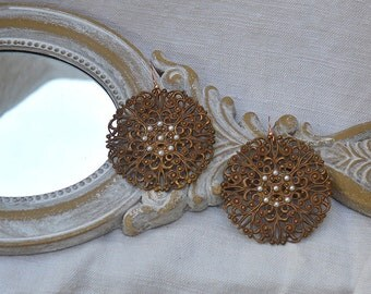 Circles brass filigree earrings with pearls