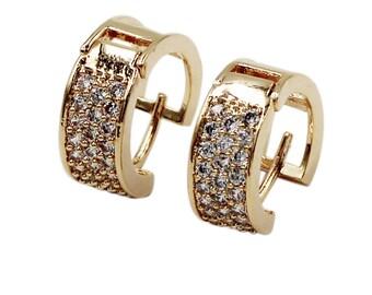 Little circle crystal earrings