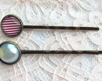 Set of two bobby pins