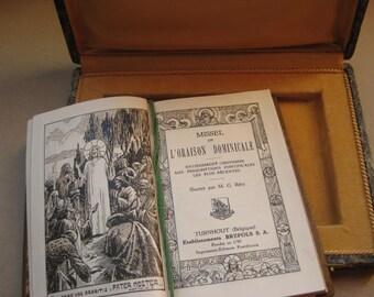 """Vintage Belgian Prayer book  """" Missel de l'oraison dominicale """" from 1931."""