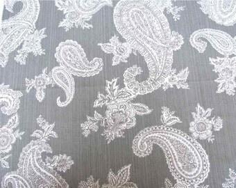 Pindler & Pindler 23x26 100% Cotton Silver Paisley Fabric Sample