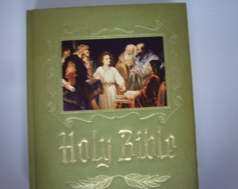 Holy Bible, Copyright 1964, Heirloom Bible Publishers, Family Bible, Heavy Book, Old and New Testements, Used Condition, Red Letter Edition