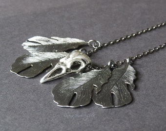 Raven skull and feathers necklace - Night's Watch Raven