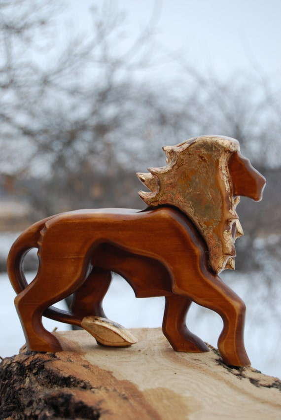 Home Decor Gold Touches Wooden Statues Lion Husband Gift