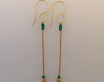 Solid 18k yellow gold chain drop earrings with faceted emeralds (LCE029)