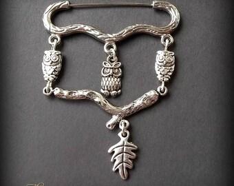 Owl Brooch, Bird Brooch, Owls on a Branch Brooch, Animal Brooch, Woodland Brooch, Kilt Pin Brooch, Wiccan Brooch, Charm Brooch, Oak Leaf