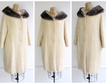 Vintage 1950's Cream Bouclé Wool Coat with A Grey Fake Fur Collar 50's fifties midcentury true vintage winter coat wool