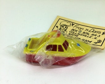 70s/80s Vtg Boat Cake Topper Yellow Red ORIGINAL PACKAGING