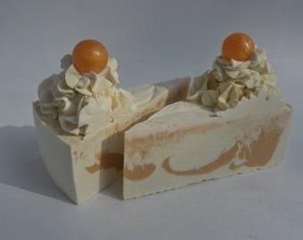ROYAL GOLD Cake Slice Soap