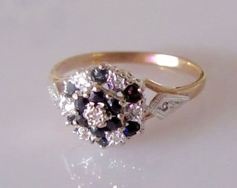Antique Gold Ring With Brilliant cut Daimond and Sapphire