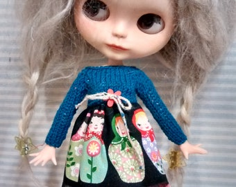 Blythe knitting dress matryoshka green and red