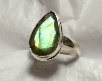 Sterling silver Natural Faceted Fiery Labradorite Ring Size 8 - Natural Stone Ring - ring size 8 - Gemstone Ring - Labradorite ring - Boho