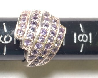 Vintage Beautiful 925 sterling silver ring with 41 purple gem/stone