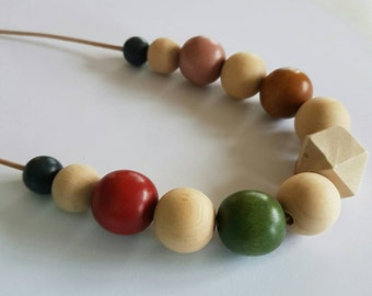 Natural wooden and coloured beaded necklace.