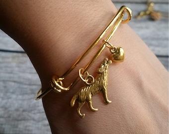 Wolf Bangle, Wolf bracelet