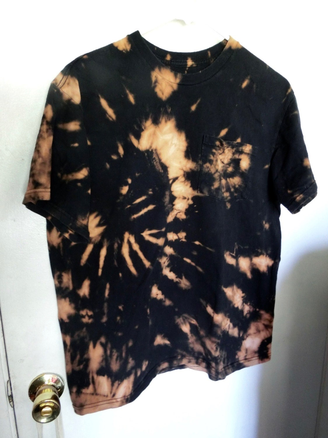 I19 adult large l pocket tee bleach alternative tie dye for How to bleach at shirt