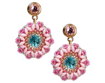 Earring with turquoise pink glass beads