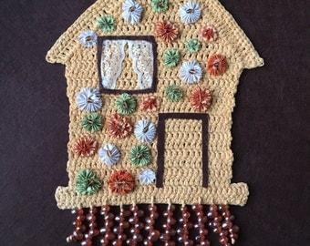 Sweet Tweet Inn Birdhouse
