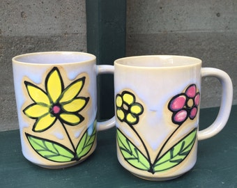 Flowered Coffee Mugs / 60s Flower Power Mugs / Vintage Ceramic Coffee Cups