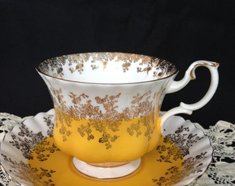 Royal albert bone china, Royal albert tea set, Royal albert England, Gold gilding, Broken loop handle, Fluted cup and saucer, Yellow band