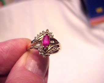 Ruby And Diamond 10k Ladies Vintage Asymmetrical Ring Size 7