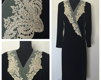 Beautiful 80's Velvet Dress with 1930's Style and Design with Old Pearled Lace Cream Collar, 30's Style Dress, 1930's Inspired Dress, Size:L