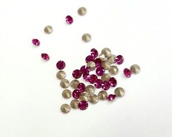 100 Pieces Tiny Fuchsia Swarovski Xilion Chatons, Article #1028, Vintage, 18pp