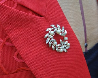 1950s Vintage Silver and Pearl Brooch