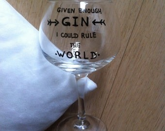 Gin tonic glass with text, cocktail, illustrated