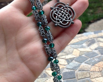 Green Celtic chainmale necklace