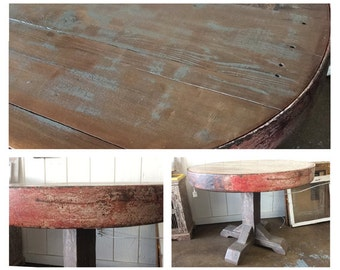 Reclaimed wood wagon wheel table