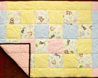 Nursery Quilted girl blanket, Baby quilt blanket, Baby girl Woodland quilts, Baby blanket quilt. Baby Animal crib quilt, baby shower gift.
