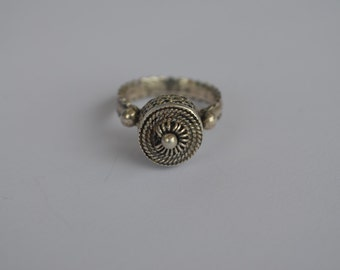 Silver filigree yemenite ring