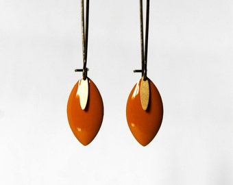 Earrings mustard enamelled sequins