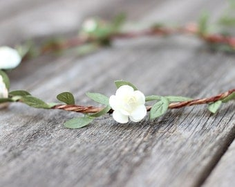 Ivory Boho Wedding Flower Crown Natural Wedding Green Garland Ivory Floral Crown Bridal Flower Halo Flower Girl Hair Wreath Bridal Crown