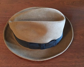 Vintage 1950's Royal Stetson Fedora in size 7.