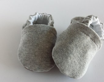 Grey baby shoes, grey soft sole shoes, grey moccasins,  moccs, infant shoes, baby shoes, grey baby booties