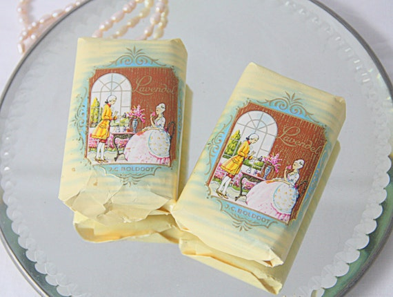 Two Bars of Vintage Boldoot Lavendel Soap, Lovely Package!