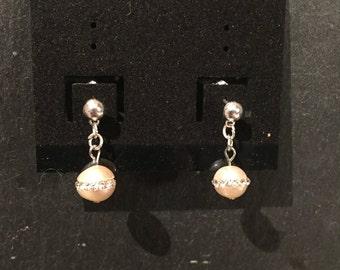 Sparkling pearl earrings