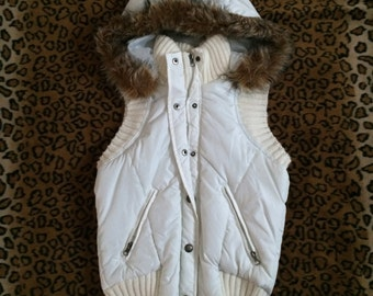 vintage white puffer bomber fur collor vest zip-up button up hoodie
