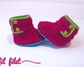 Baby woolen boots
