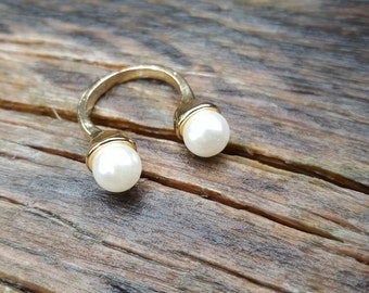 Open Pearl Ring With Gold Band