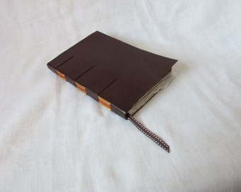 Travel book - binding cross-structure