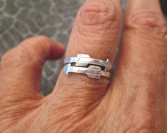 DOUBLE ARROW ring> solid sterling silver> vintage 1970's, never worn
