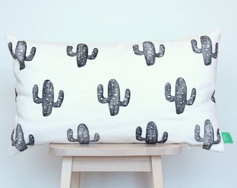 SALE | Cushion cover with black cacti
