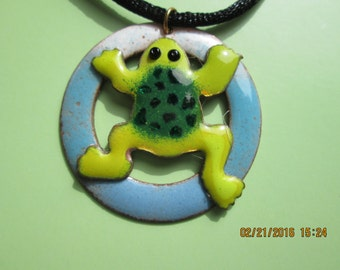 jumping frog necklace
