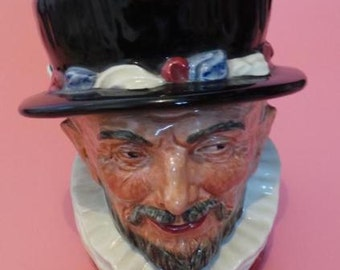Royal Doulton BEEFEATERS Toby / Character Jug